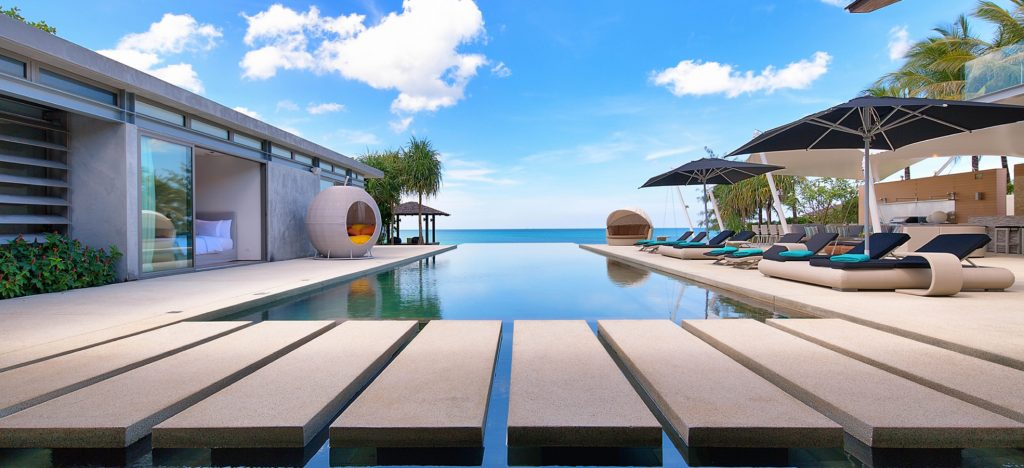 Beachside infinity pool