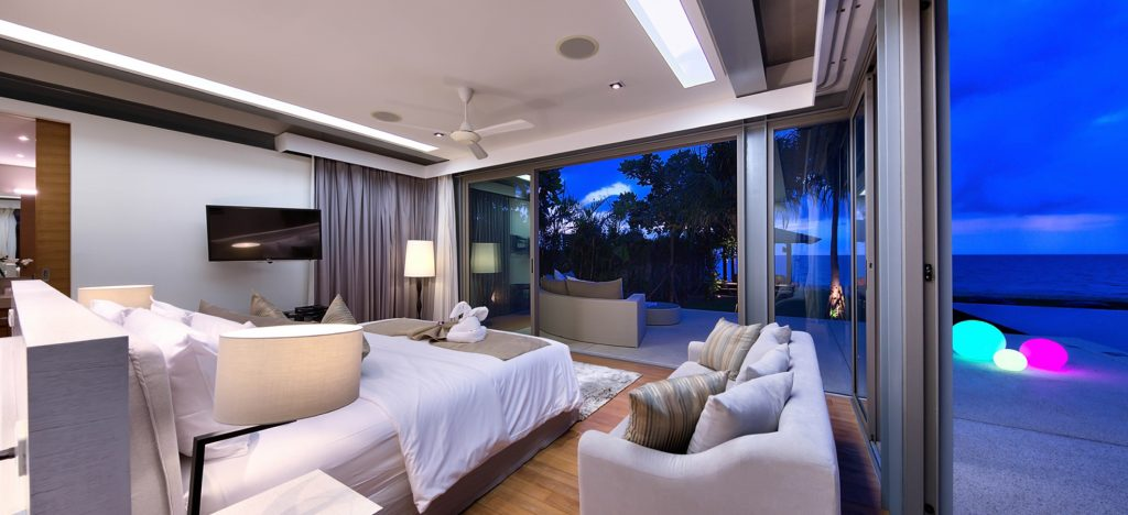 Downstairs Master Bedroom including American King Size Bed with Seaview
