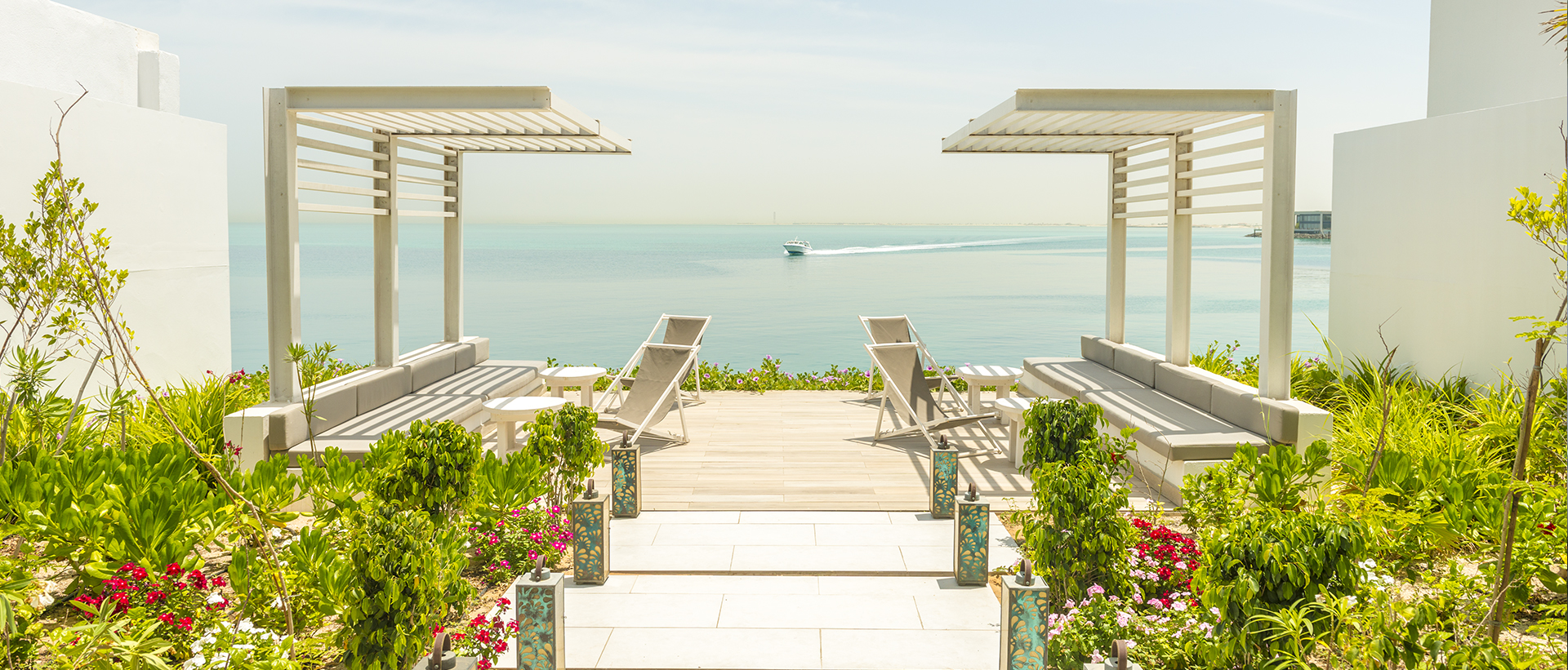 PANORAMIC OCEAN VIEWS AT ZAYA NURAI