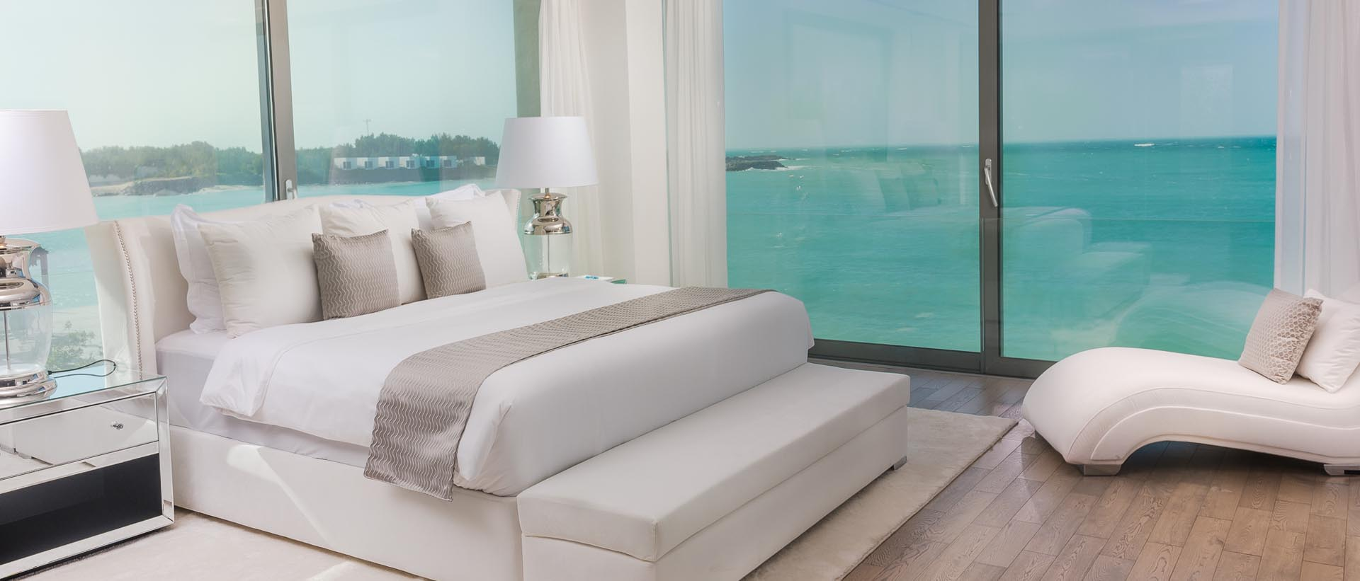 UPSTAIRS DREAM MASTER BEDROOM WITH KING BED AND TURQUOISE OCEAN VIEW